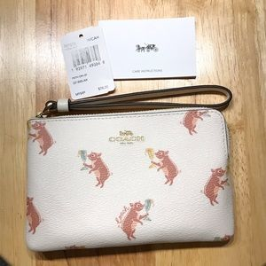 Coach Party Pig Print Wristlet ✨NWT✨